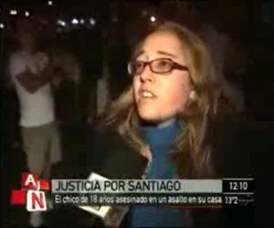 """""""Es horrible que entren a tu casa así, que haya tanta impunidad, que hayan estado una hora y media adentro de la casa de Santiago y que después llegó la policía una vez que ya no se podía hacer nada por él"""". (Una manifestante. América Noticias, móvil, 14/10/2009)"""
